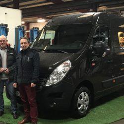 Eerste elektrische Renault Trucks Master Z.E. in kleuren UPS